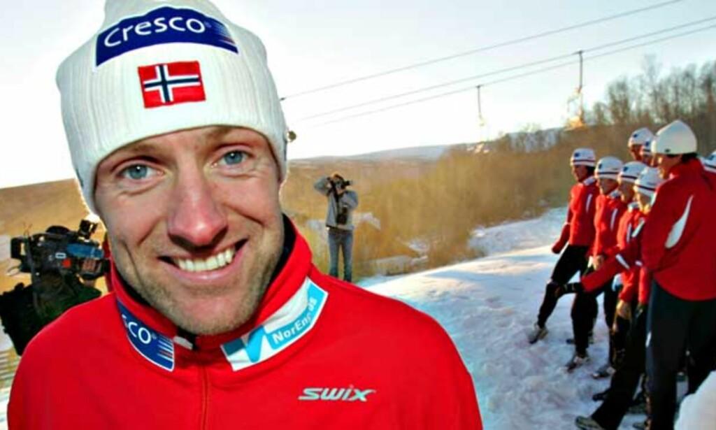 GULL NUMMER NI: Odd-Bjørn Hjelmeset er kvitt smertene og dermed OL-klar. Foto: SCANPIX