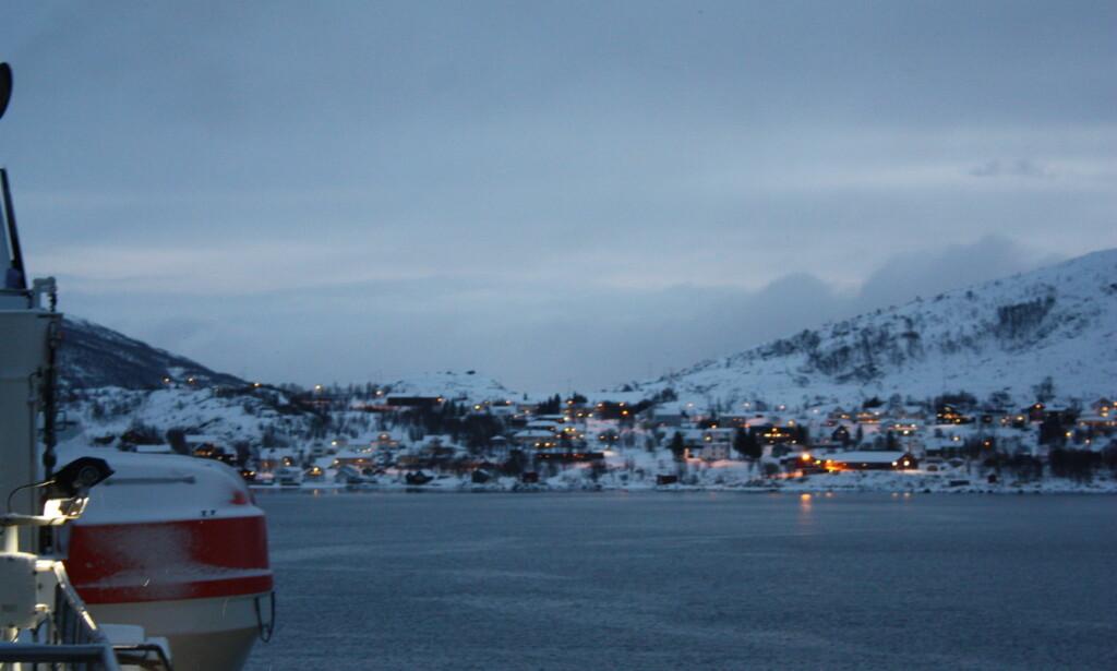 HJEMME: Martinsen kjørte skipet hjem til Ersfjordbotn. Foto: Constanze Lahr / Hurtigruten