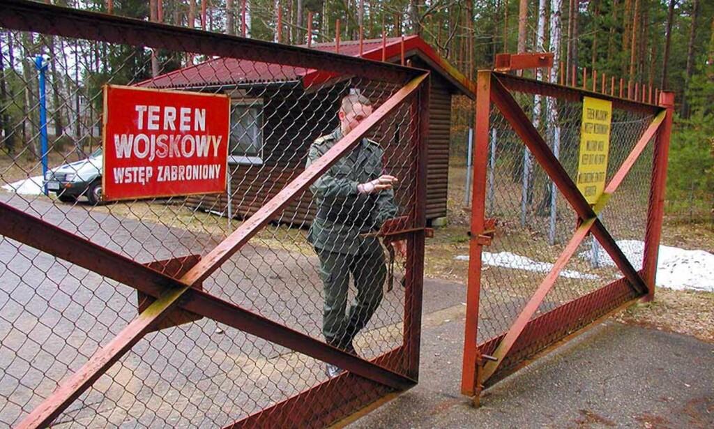 MULIG STED: Menneskerettighetsorganisasjoner mistenker at CIA bruker denne lukkede flyplassen i Szymany i Polen som hemmelig fengsel. Foto: SCANPIX