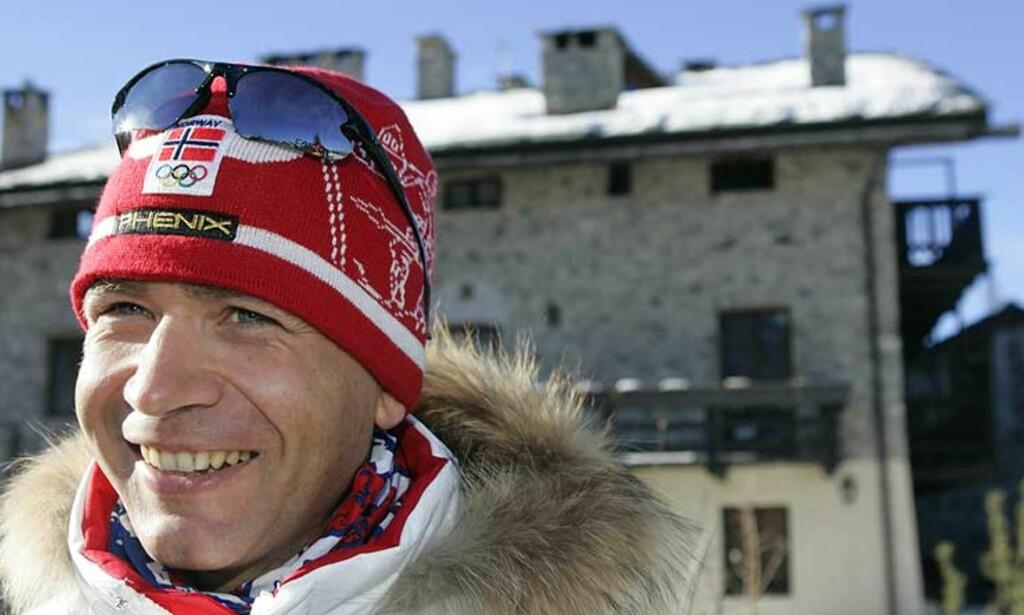 GODE AVTALER: Ole Einar Bjørndalen går og skyter inn millioner. Foto: SCANPIX