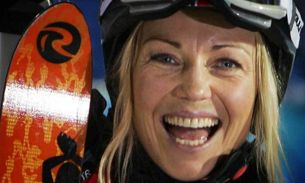 LIKE BLID: Kari Traa smilte bredt selv om det ikke holdt helt til gull i kveld. Foto: Scanpix