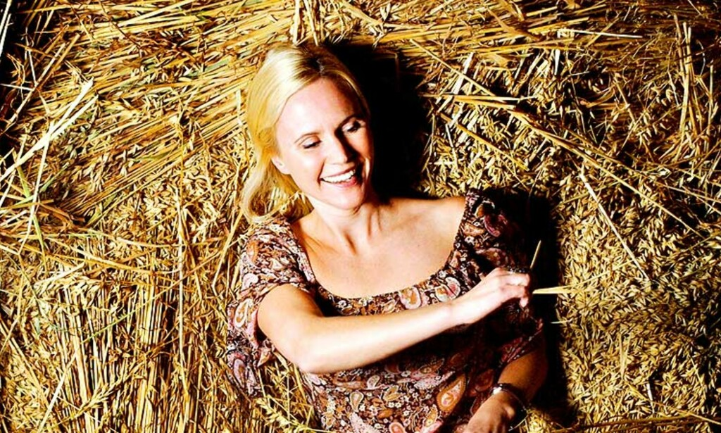 Business:Halmen fra Biri gård har gitt Ingeborg fra Jakten på kjærligheten millionomsetning. Foto: Agnete Brun