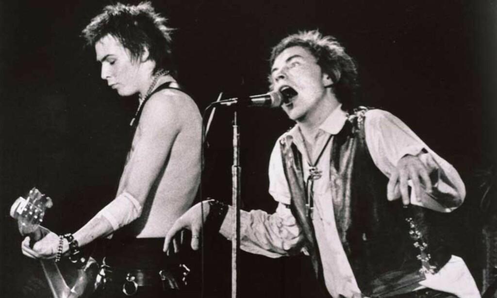 FORNÆRMA: Fem år tok det fra Sex Pistols ble nominert til bandet endelig fikk tre inn i Rock and Roll Hall of Fame. Nå har bandet bestemt at Hall of Fame ikke er verdig deres nærvær. Foto: AP