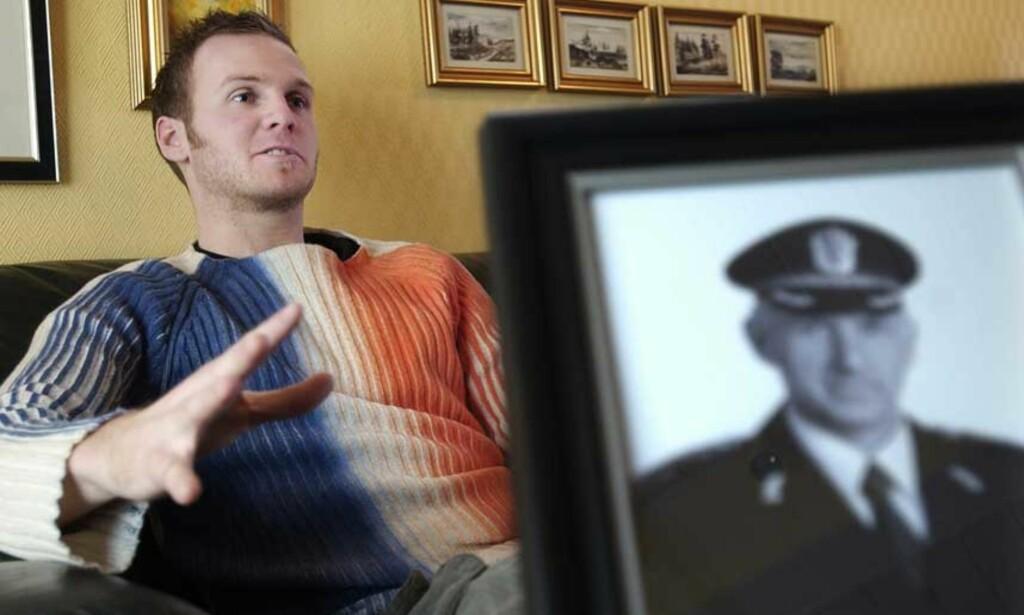 BER OM SVAR: Kjetil Klungland vil gjerne vite hvem som skjøt faren, politimann Arne Sigve Klungland. Arkivfoto: ERLING HÆGELAND