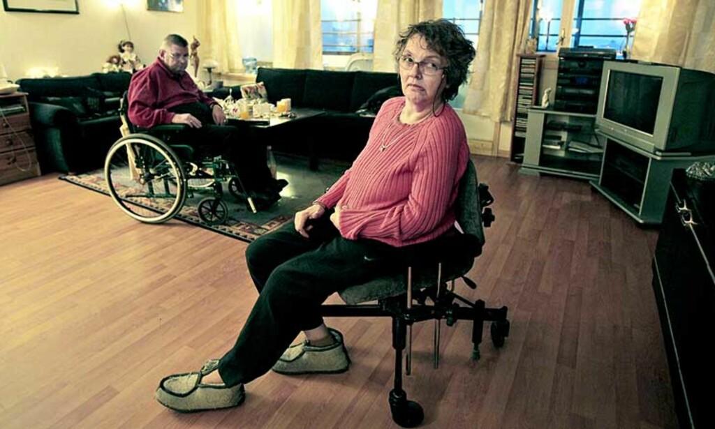 BESTJÅLET:  Funksjonshemmede Kari Fahlvik Olsen ble tirsdag frastjålet over 700 kroner. Politiet fortviler over at samfunnet ikke klarer holde gjerningsmannen, en vanekriminell, borte fra gata. Foto: Bjørn Langsem
