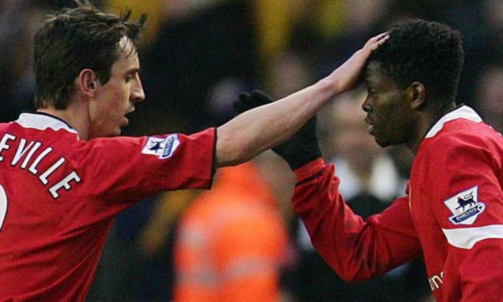 TAKKER SJEFEN: Louis Saha takker Sir Alex og Gary Neville tror på mange mål mot Newcastle. Foto: REUTERS