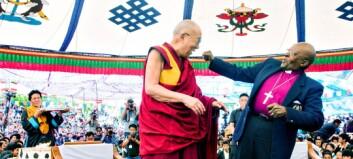 Desmond Tutu og Dalai Lama med ny bok: «Vi skal ikke tro at vi er overmennesker»