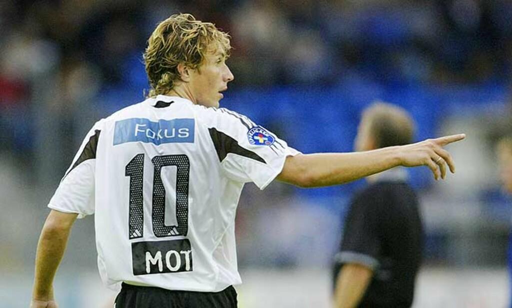 Nr. 10: Vidar Riseth er midtstopper, men har likevel nummer 10 i Rosenborg. Foto: SCANPIX