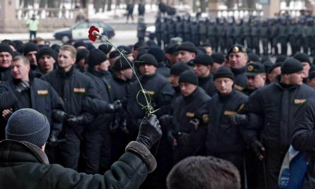 MASSEDEMNOSTRAJON: Flere tusen demonstrerte i Minsk i dag. Foto: Scanpix