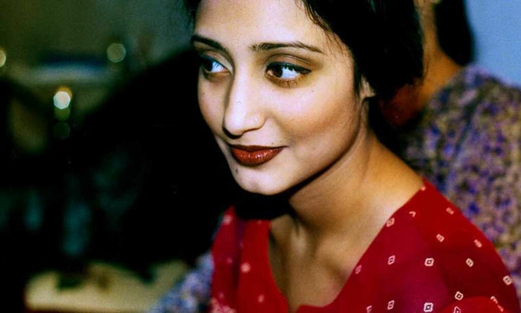 FRYKTER ÆRESDRAP: Oslo-jenta Rahila Iqbal omkom i Pakistan i fjor. Hennes enkemann frykter hun ble utsatt for æresdrap. Foto: Privat