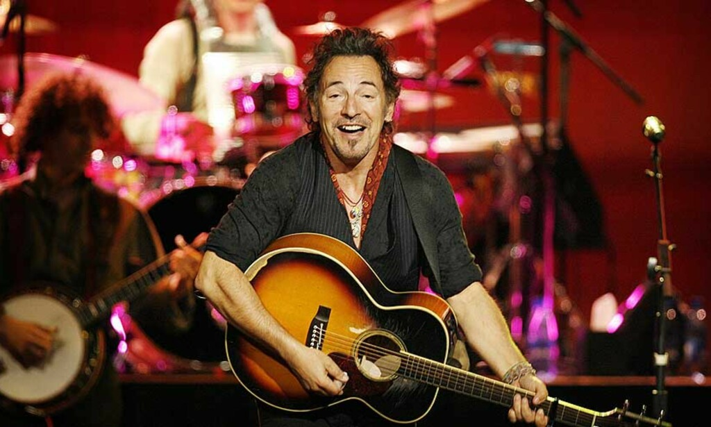 NORSK INNSPILLING: Den utvidende utgaven av Bruce Springsteens siste skive har med en låt som delvis er innspilt i Norge. Her er Springsteen på scenen i Oslo Spektrum. FOTO: HANS ARNE VEDLOG