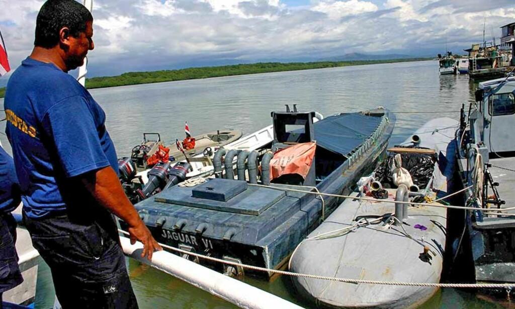 TAUET INN: Ubåten ble stanset utenfor kysten av Costa Rica på vei fra Colombia til USA. Foto: Scanpix