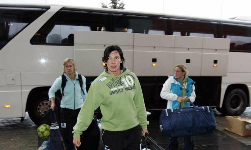 KLAR TIL KAMP: Bakspiller Katja Nyberg gleder seg til å komme i gang med mesterskapet. Foto: SCANPIX