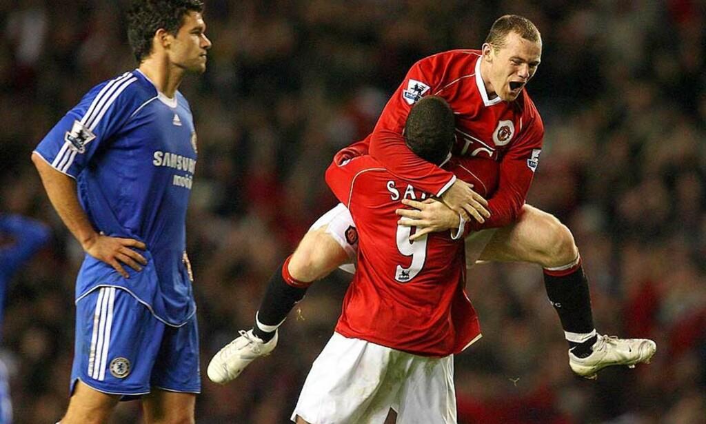 KAN MØTES I REN TITTELKAMP: Det endte med 1-1 og poengdeling da United og Chelsea møttes på Old Trafford 26. november. Returoppgjøret - som kan få helt avgjørende betydning for hvem som blir ligamester - blir trolig flyttet til 8. eller 9. mail. Foto: AP