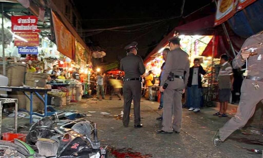 MINST SJU BOMBER: Foreløpig uklart hvem som står bak bombene i Bangkok. Foto: AP