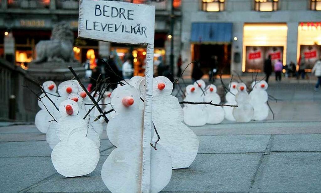 DEMONSTRANTER: Snømennene var laget av studenter ved reklameskolen Westerdals. Alle foto: Ole Martin Buene