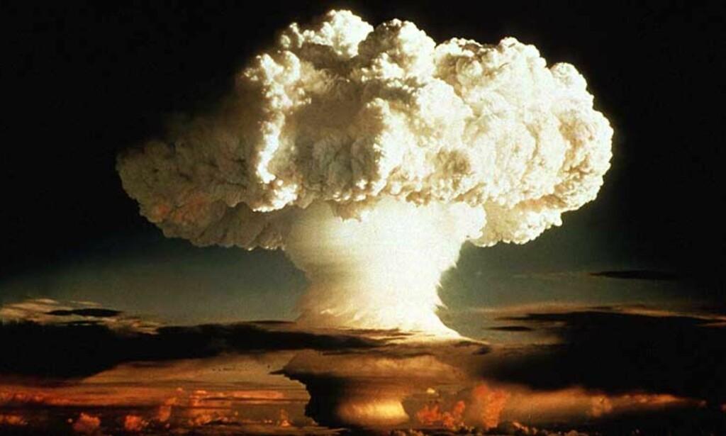 SANKSJONER: Selskaper, regjeringer eller enkeltpersoner som leverer masseødeleggelsesvåpen eller annen avansert våpenteknologi til Iran og Syria får nå ikke lenger handle med USA. Illustrasjonsfoto: SCANPIX