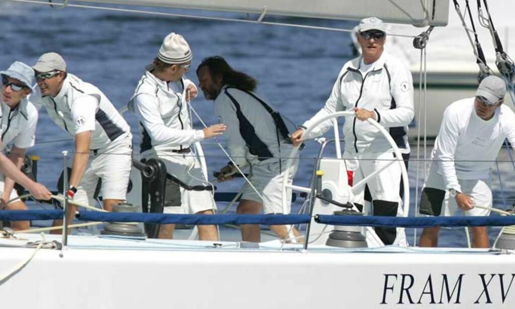 FART OG MORO: - En fantastisk opplevelse, sier kong Harald om seiling med Fram XVI. Foto: SCANPIX