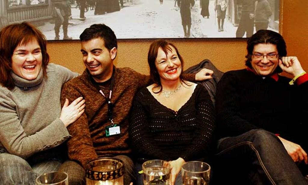 LILLE EYOLF» BLIR «THE FROST»: Disse fire, ledet av den engasjerte og varmblodige spanske regissøren Ferran Audí (t.h.)  har brukt filmfestivalen i Tromsø til å markedsføre sin Ibsen-film. De tre andre er fra venstre Mona Steffensen i Original Film AS, produsent Raül Perales fra Barcelona og skuespiller Eva Mørkeset fra Ålesund. Foto: Ingun A. Mæhlum