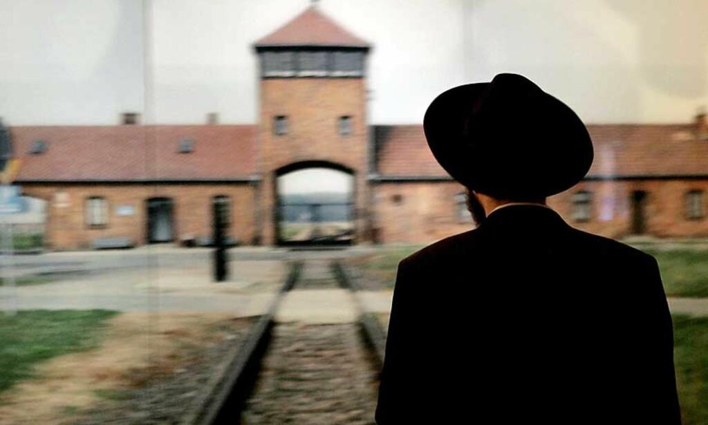 MINNES HOLOCAUST I dag minnes mennesker over hele verden holocaust. Her fra Holocaust Museum i Jerusalem. Foto: SCANPIX