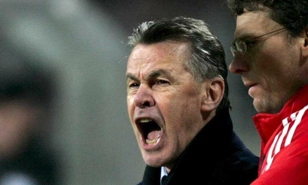DÅRLIG START: Ottmar Hitzfeld er tilbake som sjef i Bayern München. Det ga ingen umiddelbar effekt. Foto: EPA/Scanpix