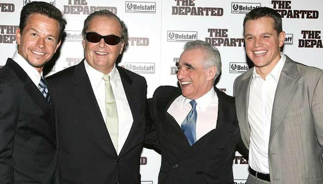 <strong><b>SPILT SAMMEN FØR:</strong></b> Mark Wahlberg (til venstre) og Matt Damon spilte sammen i «The Departed». Her flankerer de medspiller Jack Nicholson og regissør Martin Scorsese, som er en Oscar-favoritt for beste regi. Foto: SCANPIX