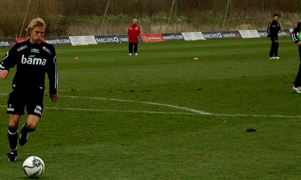 EN SPILLER FOR FRAMTIDA: Per Ciljan Skjelbred er absolutt en framtidens mann på landslaget. Nå nyter han øyeblikkene på samlingen i Manchester. Foto: STIAN HARALDSEN