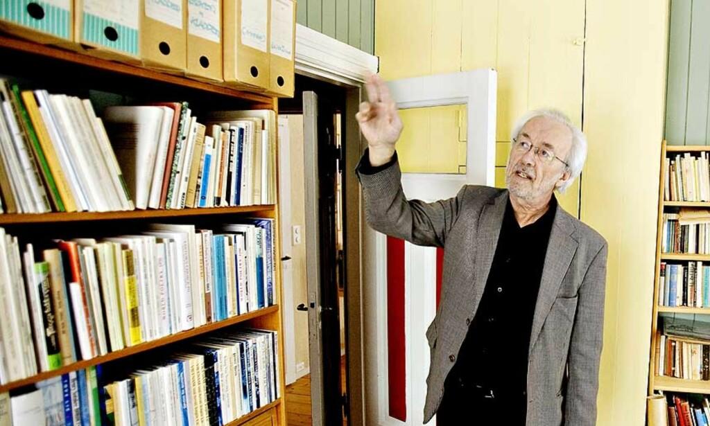 SAMLET FARENS BREV: Trond Tendø Jacobsen er aktuell med bok om faren, dikteren Rolf Jacobsen. Onsdag svarer han på spørsmål fra Dagbladet.nos lesere.