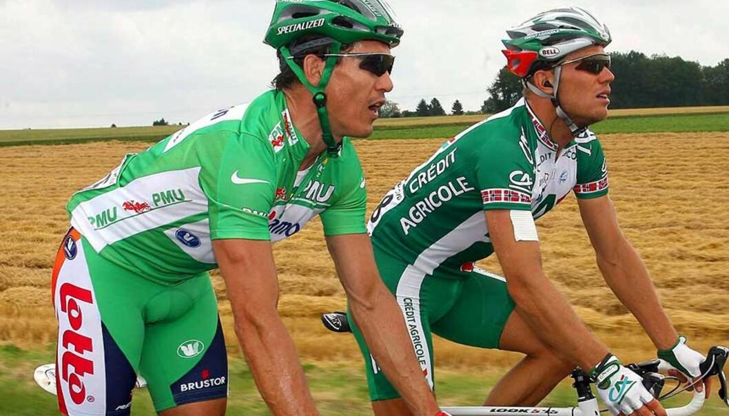 <strong><B>STENGTE HUSHOVD:</strong></B> Etter en taktisk triumf vant Robbie McEwen spurtduellen mot Thor Hushovd i første etappe i Tirreno - Adriatico i dag. Foto: EPA