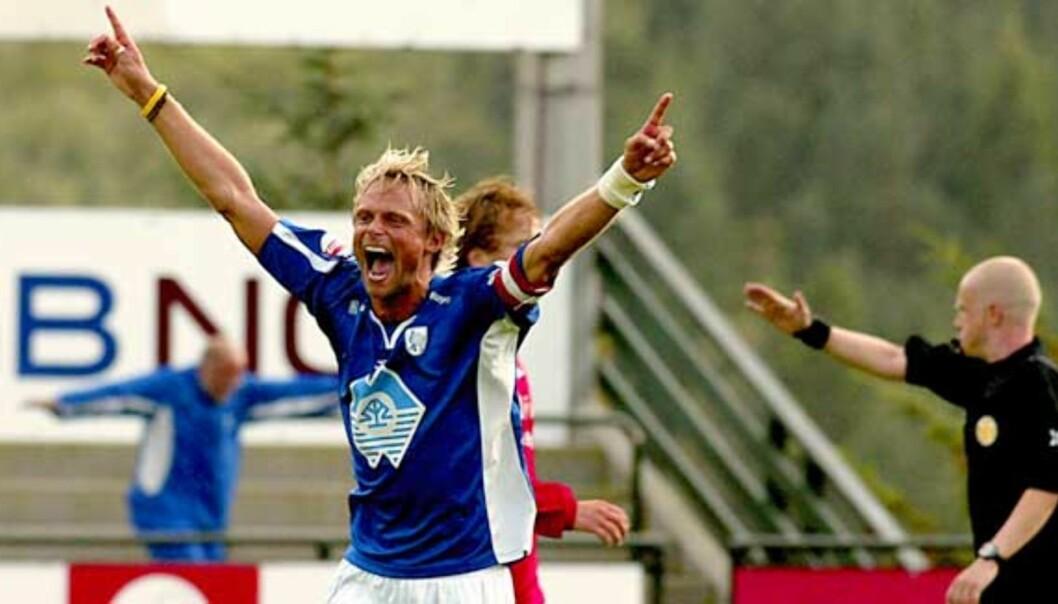 <b>OPP IGJEN?</b> André Nevstad og Hødd rykket ned i fjor, men flere lesere mener de tar steget opp i 1. divisjon igjen denne sesongen. Foto: JEFF GILBERT