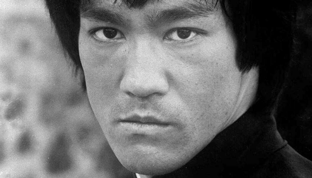 <strong><b>LEGENDARISK:</strong></b> Bruce Lee er mannen som skal fronte Kinas kulturhistorie før Bejing-OL. Foto: SCANPIX/AP