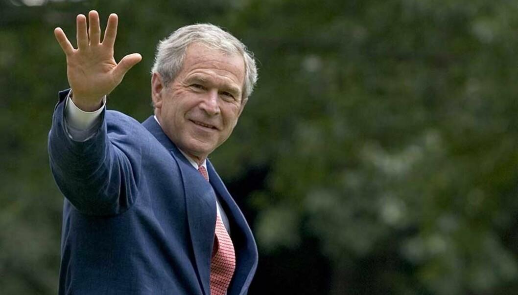 <b>NYE RETNINGSLINJER:</b> President George W. Bush undertegnet fredag en ordre der CIAs regelverk for avhør bringes mer i samsvar med Geneve-konvensjonens forbud mot tortur. Menneskerettighetsorganisasjoner er ikke fornøyde. Foto: SCANPIX/AFP PHOTO/SAUL LOEB