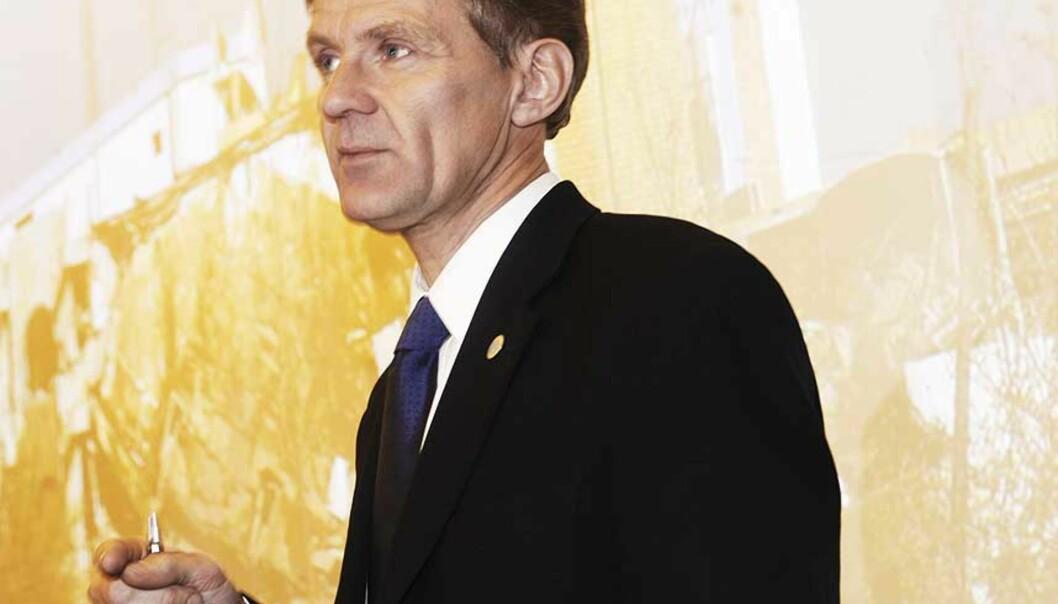 <strong><b>KJEFT OG HATBREV:</strong></b> Jan Egeland fikk kjeft og hatbrev fra mange ulike hold da han ba de rike landene om å gi mer. Foto: Morten Holm / SCANPIX