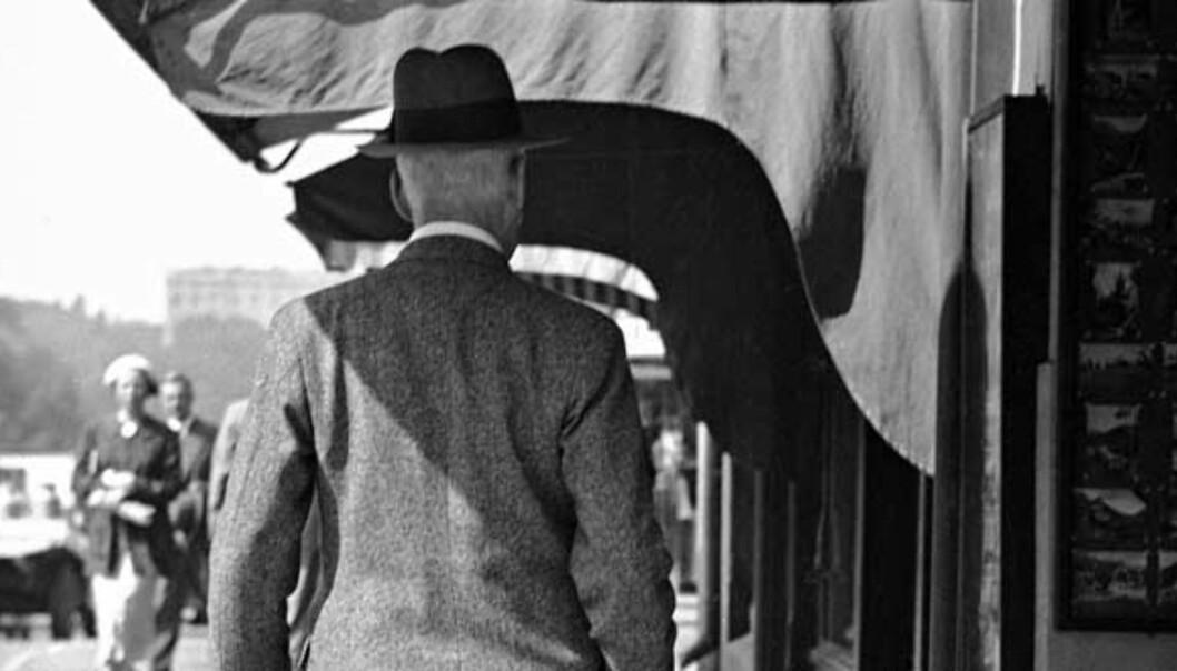 <strong><b>FORUNDRET</b>:</strong> Hver gang noen foreslår å oppkalle en gate eller en plass etter Hamsun, dukker det opp en rekke mennesker som nærmest insisterer på at en slik handling vil være det samme som å forsvare nazismens ugjerninger, skriver Lars Frode Larsen, som er «grundig lei» av det. Foto: SCANPIX