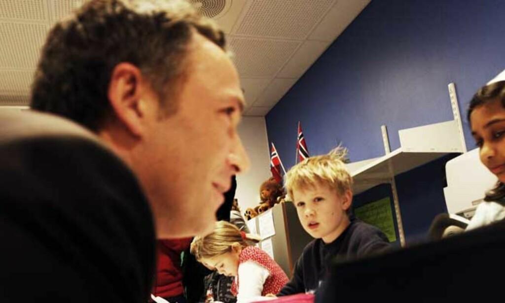 URIMELIG: - Det er både lite konstruktivt og grovt urimelig når både Høyre og FrP høylytt har erklært at de dårlige resultatene viser at Arbeiderpartiets skolepolitikk har skylden, skriver Statsministeren. Foto: Scanpix