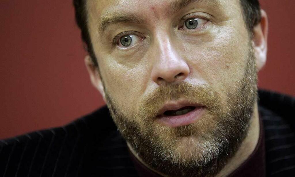 OMSTRIDT: Wikipedia-grunnlegger Jimmy Wales beskyldes for dårlig dømmekraft i en rekke saker det siste året. Foto: SCANPIX