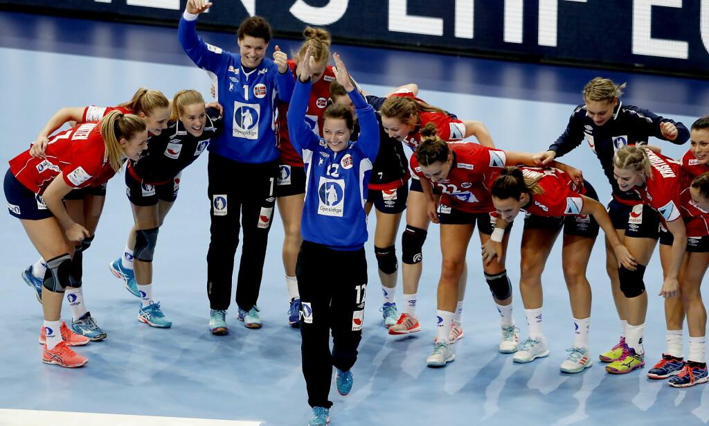 HELT: Silje Solberg storspilte for Norge i seieren mot Frankrike. Foto: Bjørn Langsem / DAGBLADET