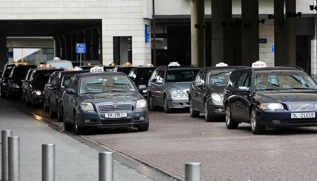 <strong>PRISTILBUD:</strong> Samferdselsdepartementet ønsker at drosjesjåfører uoppfordret skal gi taxibrukere et pristilbud for angitt reisevei.
