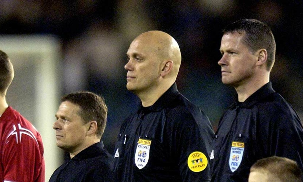 KLARTE IKKE KRAVET: Erik Ræstad (t.h.) klarte ikke Uefas hurtighetstest, og blir vraket som Tom Henning Øvrebøs assistent under sommerens fotball-EM. Foto: Scanpix