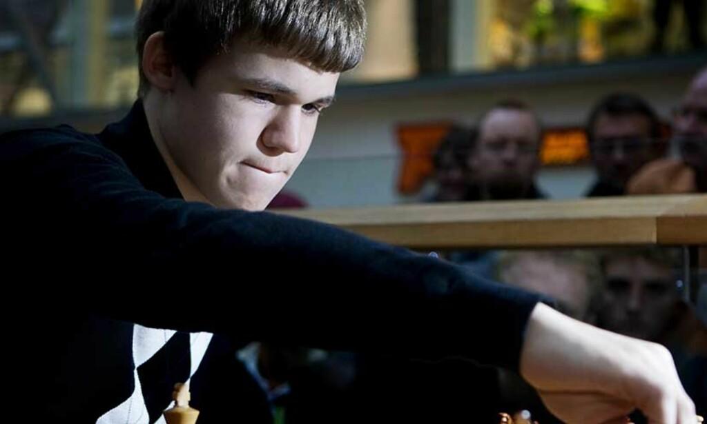 UBESEIRET: Magnus Carlsen gikk ubeseiret gjennom Aerosvit-turneringen i Ukraina. Foto: Kyrre Lien, Scanpix