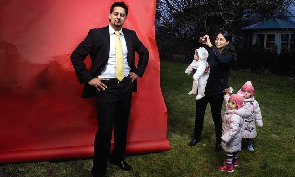 SKREMMENDE OPPLEVELSE: Heldigvis merket ikke barna noe til at lynet slo ned i familien Rajas hage i kveld.