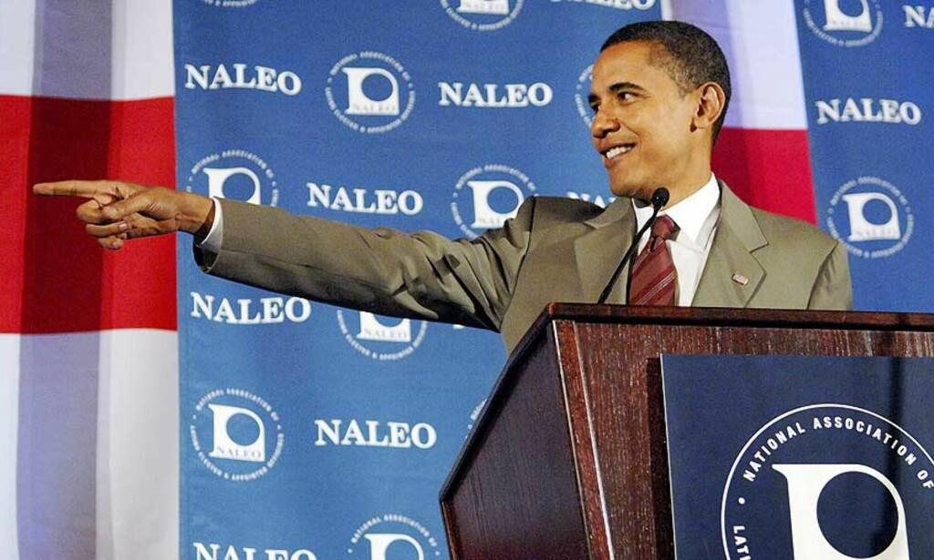 FRIR TIL EUROPEERE OG SENTRALE VELGERGRUPPER: Samme dag som Barack Obama annonserte at han skal på en Europa-turne, holdt han tale i en forening for folkevalgte med latinamerikansk bakgrunn, NALEO. Foto: REUTERS/SCANPIX