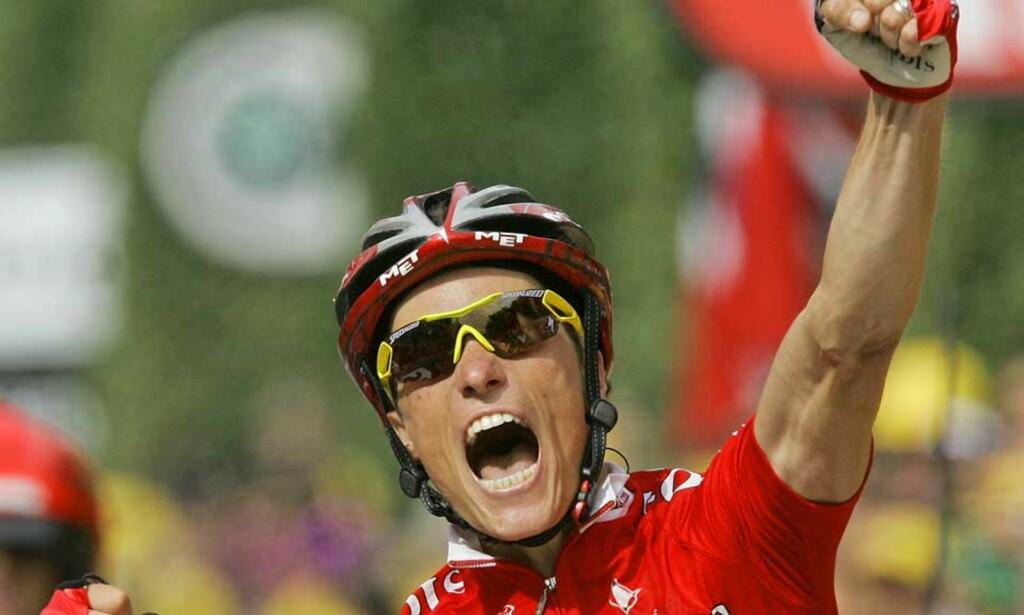ETTERLENGTET: Sylvain Chavanel er fransk sykkelsports best betalte utøver og kanskje største stjerne. I sitt sjuende Tour de France vant Cofidis-kapteinen endelig sin første etappeseier. Foto: AP/Scanpix