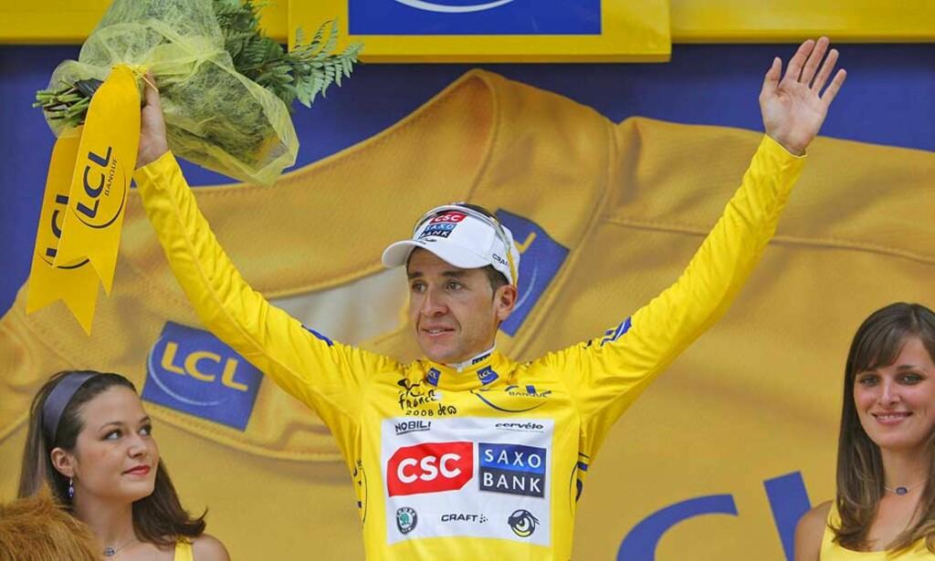 VINNER TOUR DE FRANCE!: Carlos Sastre overrasket alle og sikret seg seieren i Tour de France etter en impoenerende tempoetappe. Dette bildet er fra en tidligere etappe. Foto: AP/SCANPIX