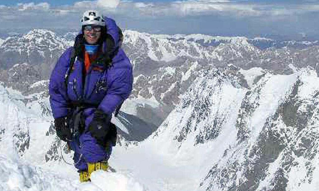 PÅ K2:  Etablerte klatrere er skeptiske til historiene fra svenske Fredrik Sträng, selv om han har vært på K2 og overlevde rastragedien sist fredag. Foto: SCANPIX/PRIVAT.