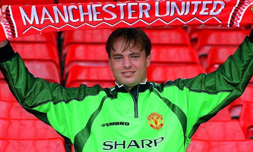 LYKKELIGE TIDER: I juni 1999 signerte Mark Bosnich for Champions League-vinner Manchester United. To år senere ble han avslørt for bruk av narkotika og utestengt i ni måneder. Da var han blitt Chelseas eiendom. Foto: Peter Wilcox, REUTERS/SCANPIX