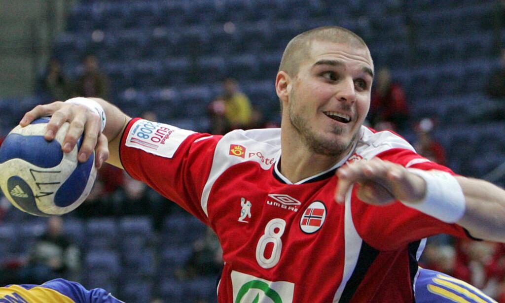 SKATTERAZZIA:  Bjarte Myrhol var en av de norske håndballstjernene som fikk den tyske skattefuten på døra. Foto: AFP/SCANPIX.
