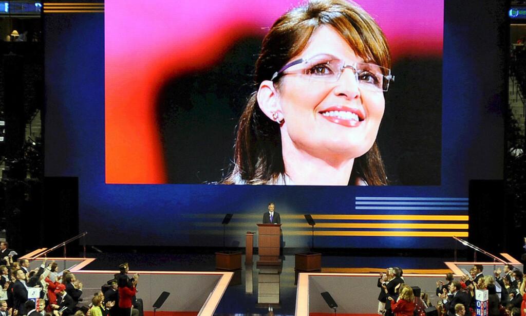 """- DREPEREN FRA WASILLA:  Sarah Palin har i løpet av et landsmøtedøgn blitt stjerne hos sine egne. Men miljøorganisasjonen betegenr """"Killa from Wasilla"""" som en versting. Foto: TANNEN MAURY, EPA/SCANPIX."""