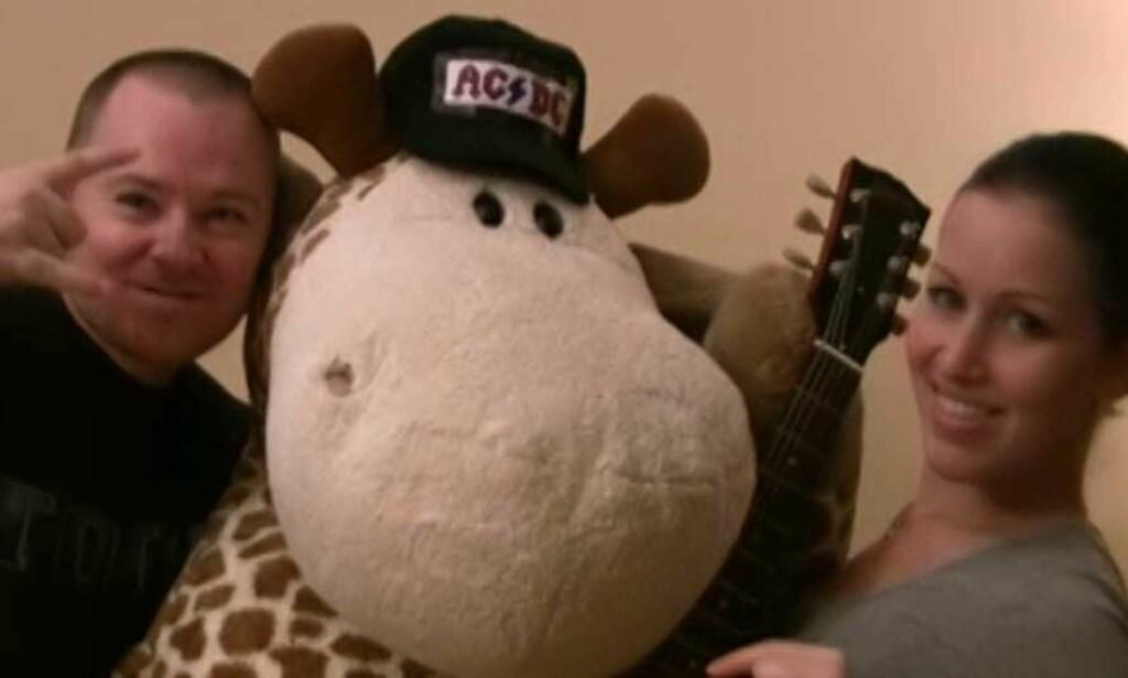 NORGES STØRSTE FAN?: Øyvind Bollingmo vil vinne konsert med AC/DC i New York. Videoen han har sendt inn kan du se ved å klikke på bildet under.
