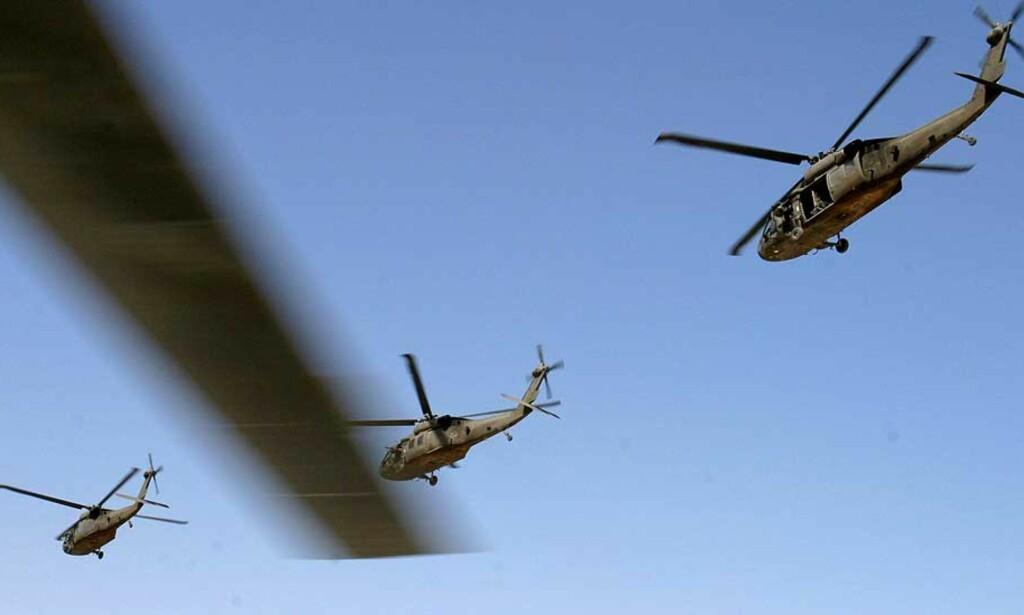 KOLLIDERTE:  To amerikanske helikopre kolliderte i Bagdad i dag. Siden krigen startet har 70 amerikanske helikoptere styrtet. Arkivfoto: ALI HAIDER/ EPA/SCANPIX